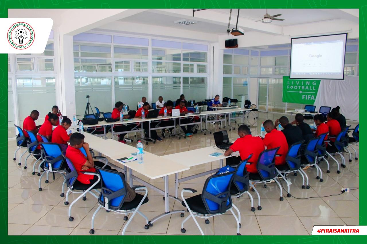 Cours en ligne pour les arbitres et instructeurs internationaux