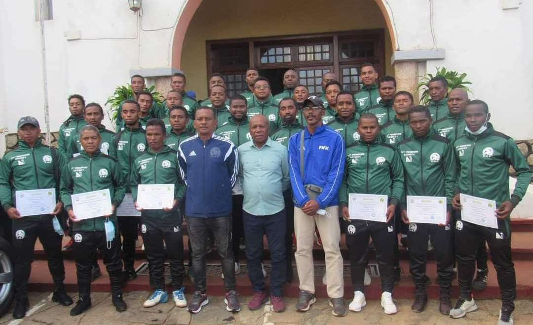 Licence C  – CAF : 30 nouveaux  entraineurs formés à Antsirabe